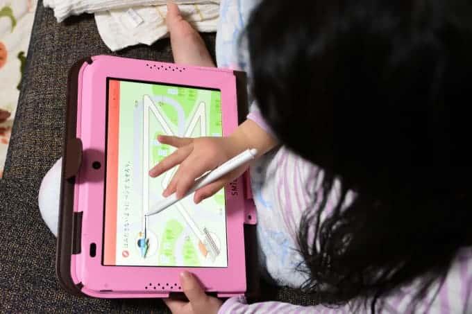 スマイルゼミのタブレットは子どもも使いやすい